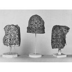 Coifs British 1600-1625, Linen, black silk thread, silver-gilt thread and spangles.