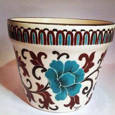 Vaso - cachepô orquídeas - Studio Seramik China Painting, Ceramic Painting, China Clay, Camera Art, Hand Built Pottery, Play Clay, Southwest Decor, Painted Pots, Pottery Bowls