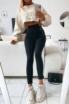 Casual School Outfits, Teenage Outfits, Teen Girl Outfits, Cute Comfy Outfits, Sporty Outfits, College Outfits, Teen Fashion Outfits, Comfortable Outfits, Outfits For Teens