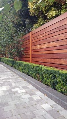 modern fence styles full image for contemporary garden fence designs hardwood fence modern fence backyard gardens and modern metal fence ideas Cheap Privacy Fence, Privacy Fence Designs, Backyard Privacy, Backyard Fences, Garden Fencing, Privacy Screens, Privacy Fence Decorations, Decking Fence, Gabion Fence