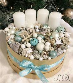 Christmas Advent Wreath, Christmas Candles, Christmas Diy, Advent Wreaths, Reindeer Christmas, Nordic Christmas, Modern Christmas, Christmas Trees, Candle Centerpieces
