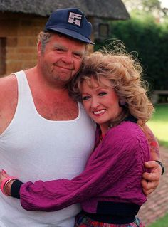 Two wonderful actors that are no longer with us..Onslo and Rose from Keeping Up Appearances.