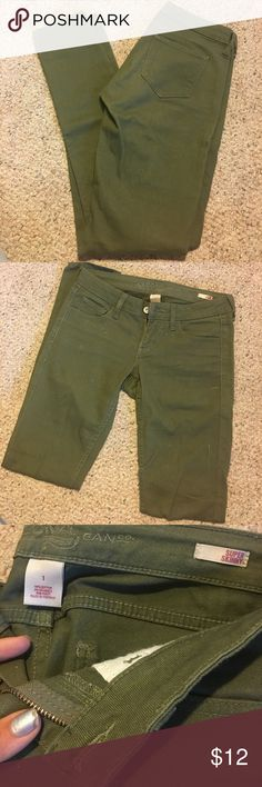 Arizona super skinny jeans Arizona super skinny olive colored jeans. Low rise rise, nice stretch to them. Was given as a gift and I just never wear them. Probably worn a handful of times. No stains or rips. Very firm fitting Arizona Jean Company Pants Skinny