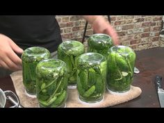Ogórki kiszone z cyklu robię zapasy na zimę / Oddaszfartucha - YouTube Preserves, Pickles, Cucumber, Recipies, Vegan Recipes, Food And Drink, Canning, Youtube, Dressing