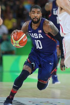 Day 14 Kyrie Irving of United States in action during the United States Vs Spain… Mba Basketball, Basketball Leagues, Basketball Legends, Basketball Players, Nba Pictures, Basketball Photography, Akita Dog, Nba Wallpapers, Rio Olympics 2016