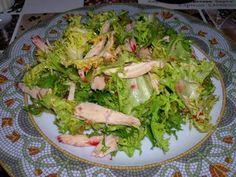 Amanida d'escarola i pollastre/ Ensalada de escarola y pollo/ Salad of endive and chicken/ Salada de escarola e frango