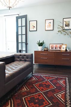 wall color and rug