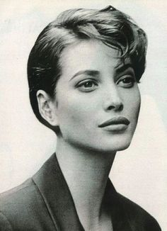 Christy Turlington for Strenesse Christy Turlington, Famous Hairstyles, Celebrity Hairstyles, Claudia Schiffer, Original Supermodels, Naomi Campbell, Looks Style, Classic Beauty, Woman Face