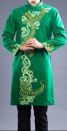 Vietnamese Men, Vietnamese Clothing, Vietnamese Traditional Dress, Traditional Clothes, Sherwani, Ao Dai, Fabric Painting, Asian Fashion, Asian Woman