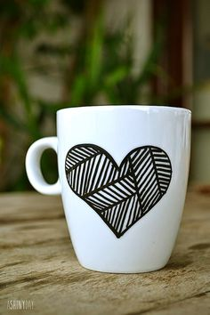 Give a handpainted mug to your beloved!