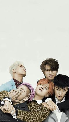 Bigbang time come on grab your laptop go to very distant lands with Seungri the panda and Jiyong the hotty the fun will never end it's bigbang time(*⌒3⌒*)