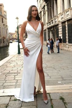 Supermodel Bella Hadid stuns on her way to a Bulgari party in Venice Italy  http://celebsip.com/katy-perry-leonado-dicaprio-bella-hadid-justin-theroux-jennifer-aniston-hailey-baldwin/