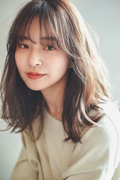 Haircuts For Medium Hair, Medium Hair Cuts, Hairstyles With Bangs, Medium Hair Styles, Long Hair Styles, Korean Hairstyles Women, Korean Medium Hair, Asian Short Hair, Short Hair With Bangs