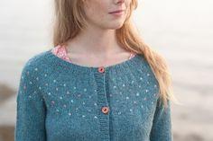 (Kaye's Cardigan pattern by Hannah Fettig)
