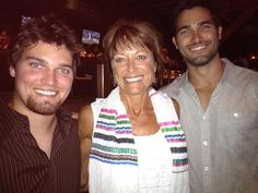 Tyler Hoechlin with his brother Tanner Hoechlin and their mum <333