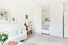 Look at how in a small space you can manage to put a living room and a bedroom.  A very elegant solution.
