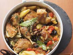 Geschmortes Huhn mit Gemüse provenzalischer Art ist ein Rezept mit frischen Zutaten aus der Kategorie Hähnchen. Probieren Sie dieses und weitere Rezepte von EAT SMARTER!