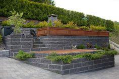 Bilderesultat for avslutte terrasse i skråning