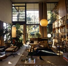 The House of Ray and Charles Eames (1950s)