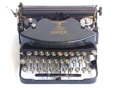 Working 1921 Typewriter Klein Adler with Black body QWERTZ keyboard. serial number 225877. Wooden case and key.
