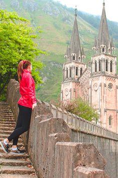 Green Scenery, Asturias Spain, Paraiso Natural, Secret Places, Fishing Villages, Nature Reserve, Spain Travel, Amazing Destinations, Historical Sites