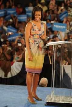 First Lady Michelle Obama speaks to supporters at the War Memorial Auditorium on August 2012 in Fort Lauderdale, Florida.Photo Credit: Larry Marano, WireImage via StyleList Barak And Michelle Obama, Barrack And Michelle, Bose, Indiana, Michelle Obama Fashion, American First Ladies, Fashion 2020, Cool Outfits, Summer Dresses