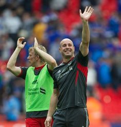 Pepe Reina and Dirk Kuyt celebrate at Wembley