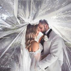 📷@emiliobphotography 👍 #ido #weddingday  #vestidodenoiva #casamento #weddingseason #instabride#vestido #dreamwedding #couture #bridetobe #weddinginspiration #weddinginspiration  #luxurywedding#bridaldress  #casamento#weddingideas #weddingdress#weddings #designercouture#engaged #couture#weddingparty#bridalfashion#phuket#gelin  lik#bff#hautecouture #vestidodenoiva#instawedding#weddinggown#boda#bridalgown#weddingstyle