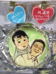 似顔絵とクッキー Snow Globes, Cakes, Portrait, Decor, Decoration, Mudpie, Men Portrait, Cake, Dekoration