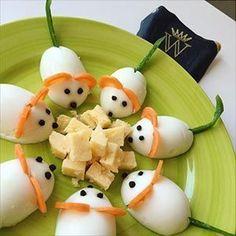 Easy Food Art, Food Art For Kids, Diy Food, Cute Food, Yummy Food, Food Sculpture, Food Decoration, Food Platters, Food Humor