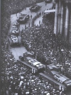 British tanks roll through Dublin during the Irish Civil War.