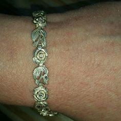Beautiful Silver Roses Bracelet