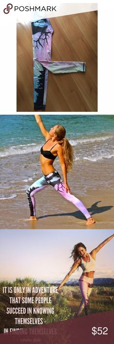 NORTHERN LIGHTS HOT PANT XS TEEKI ECO CONSCIOUS ACTIVEWEAR LINE - we dance to a different beat, stretch with the yogi, run to the highest peaks, hike in unexplored territories, swim where the ocean becomes one. we take water bottles, turn them into clothes, giving them purpose again. For active lifestyle and adventures; yoga, gym, workout, surf, sports, dance, flow and constantly moving forward with your body, mind, and spirit.  A little too snug on me but love those leggings, small spot but…
