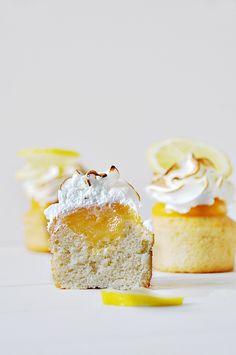 Cocina de Revista: RECETA DE PASTELITOS Y CURD DE LIMÓN/ Cooking Magazine - Lemon Cupcakes and Lemon Curd. American Recipe./Styling Food Photography/Estilismo Fotográfico