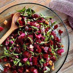 Roasted Beet Salad: Walnuts, red onion and dill make this roasted beet salad recipe a fantastic accompaniment to chicken or topping for hummus. (If you can't find beets with greens attached, use 1 pound of beets and 8 ounces of chard leaves. Roasted Beet Salad, Beet Salad Recipes, Superfood Recipes, Healthy Recipes, Healthy Cooking, Healthy Eating, Healthy Fit, Cauliflower Salad, 200 Calories