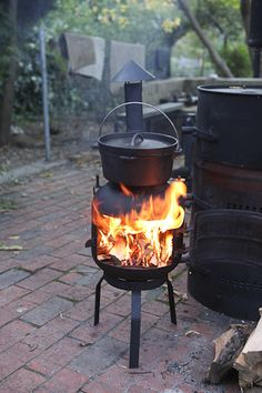 gas bottle wood stove Outdoor Stove, Outdoor Fire, Outdoor Decor, Gas Bottle Wood Burner, Barbecue Area, Bbq Grill, Log Burner, Rocket Stoves, Patio Heater