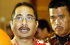 Presiden Joko Widodo (Jokowi) baru saja mengumumkan nama-nama menteri. Salah satu yang ia sebut adalah Arief Yahya. pria ini akan menduduki jabatan Menteri Pariwisata. Arief merupakan menteri yang dipilih dari kalangan profesional. Sebelumnya, ia menduduki jabatan Direktur Utama PT Telekomunikasi Indonesia Tbk (TLKM). Selengkapnya on-msn.com/1ttQvKp