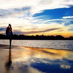 【nao_seri】さんのInstagramをピンしています。 《お決まりの、ビーチでの娘のストレッチ。  #娘 #11歳 #バレエ #ジャズ  #お勉強しないで#週5で #ダンス #ばかり#まぁ良いか #夕陽が好き #夕陽 #海  #beach #resort #リゾート  #海外 #australia #オーストラリア  #自然 #ありがとう #感謝  #instagramjapan#thisisqueensland #queensland》
