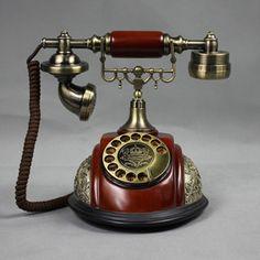 vintage dial phone, make sure it spins. no buttons. Vintage Phones, Vintage Telephone, Vintage Antiques, Vintage Items, Antique Phone, Camera Phone, Vintage Princess, Landline Phone, Decoration