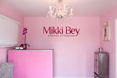 Former celebrity MUA, Mikki Bey creates success with niche eye lash extension boutique in Culver City, California. Best Lashes, Beauty Room, Eyelash Extensions, Makeup Cosmetics, Eyelashes, City, Washington, Celebrity, Decor Ideas