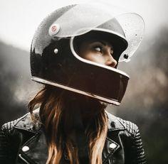 New Harley Motorcycle Tattoo Biker Babes Ideas Cafe Racer Moto, Style Cafe Racer, Cafe Racer Girl, Cafe Racers, Cafe Racer Helmet, Vespa, Motorcycle Style, Motorcycle Gear, Women Motorcycle