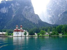 Breathtaking with the Austrian Alps above. Lake Kognissee.