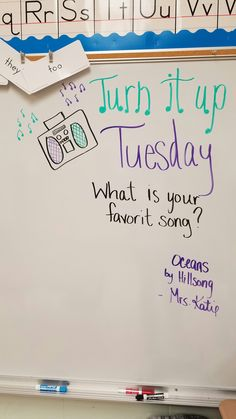 Teacher Boards, Teacher Tools, Classroom Board, Future Classroom, Classroom Activities, Classroom Organization, Morning Activities, Daily Writing Prompts, Responsive Classroom