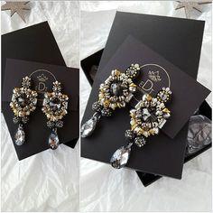 #earrings #earringfashion #handmadejewelry #handmade #jewelrydesign #jewelry #jewellery #jewellerydesign #jewels #design #style #accessories #edtaccessories #details #stone #swarovskicrystals #swarovski #grey #fashionblogger #fashionearrings #fashionista #fashion #sparkle #elegant