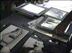 """GRAN PELICULA QUE NACE DE UN TALLER DE CINECLUB DEL CINE MÓVIL HUAYRA EN LA POBLACIÓN DE SANTA CRUZ DE ARAGUA EN 1996. EL ARGUMENTO SE ENMARCA EN UNO DE LOS TEMAS DEL CURSO """"APRENDIENDO Y DESAPRENDIENDO VALORES DESDE NUESTRA IDENTIDAD"""".  EL ESFUERZO DE LOS POBLADORES POR DAR A CONOCER SU IDENTIDAD, SU MEMORIA A TRAVÉS DE UN MUSEO INGENUO DE COLECCIONISTAS QUE, A LO LARGO DEL SIGLO HA ACUMULADO OBJETOS, FOTOGRAFÍAS, EDIFICACIONES, Y ESPECIALMENTE EL RESPETO A LOS ANCIANOS. NO EN VANO…"""