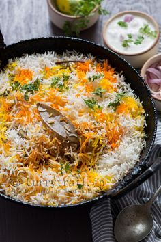 Chicken Dum Biryani is ever green classic dish and the most popular rice dish in India. Layers of rice and meat cooked with it's own steam pressure until rice is fluffy and meat cooked just to perfection. Indian Chicken Recipes, Veg Recipes, Spicy Recipes, Curry Recipes, Indian Food Recipes, Vegetarian Recipes, Cooking Recipes, Crockpot Recipes, Chicken Dum Biryani Recipe