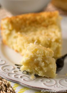 Crustless Coconut Custard Pie - An incredibly simple pie recipe and is perfectly sweet and creamy! (ditch the chemicals and use real sugar. Recetas Splenda, Splenda Recipes, Coconut Recipes, Easy Pie Recipes, Amish Recipes, Dessert Recipes, Dutch Recipes, Keto Recipes, Just Desserts