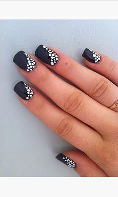 20 Majestic Black and White Nail Art DesignsLadies' nails have forever been a crucial dimension of beauty and fashion. There area unit as many ways you'll do your nails because the stars within the Majestic Black and White Nail Art Designs For Cute Nail Art, Cute Nails, Pretty Nails, Cool Easy Nails, Simple Nails, Dot Nail Designs, Simple Nail Art Designs, Nails Design, Fancy Nails