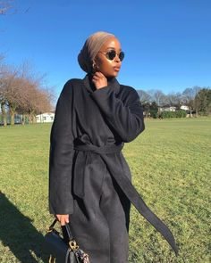 @naimawazuki Black Blogs, Trendy Outfits, Trendy Fashion, Get My Life Together, Get Your Life, Best Black, Change Is Good, Hijab Outfit, You Got This