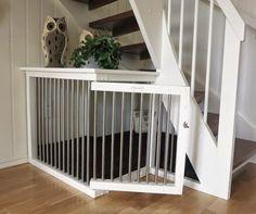 Hundebur under trapp